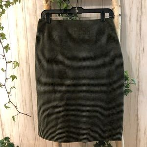 ELLEN TRACY 4 Black and Green Lined Skirt